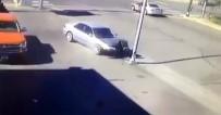 KADIN SÜRÜCÜ - Sarhoş Kadın Sürücü Direğe Çarptı Da Çarptı