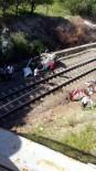 HIMMETDEDE - Kaza Yapan Otomobil Köprüden Tren Yoluna Düştü Açıklaması 1 Ölü