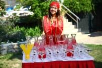 TURİZM SEZONU - Kuşadası'nda Yetişen Meyveler Festivallerle Turistlere Tanıtılıyor