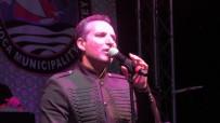 KURBAN BAYRAMı - Ünlü Şarkıcı Sahnede Bayramları Karıştırdı