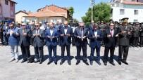 MEHMET ALTAY - Uşak'ta Şehitler Bayramda Unutulmadı