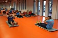 EGZERSİZ - Başakşehirlilere Özel Salonları Aratmayan Spor Salonu Hizmeti