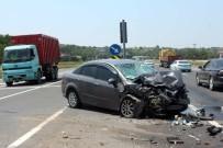 Çöp Kamyonu İle Otomobil Çarpıştı Açıklaması 3 Yaralı