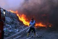 BÜYÜKŞEHİR BELEDİYESİ - Çöplükte Korkutan Yangın