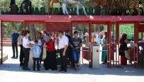 Gaziantep Hayvanat Bahçesi'ne Ziyaretçi Akını