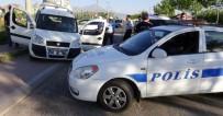 HÜRRİYET MAHALLESİ - Polis Şüpheli Kovalamacası Film Sahnelerini Aratmadı