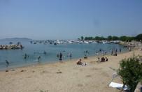 Sıcaktan Bunalan Vatandaşlar Denize Koştu