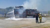 KÖMÜR MADENİ - Yangına Bakıyordu, Bir Anda Kullandığı Araç Alev Topuna Döndü