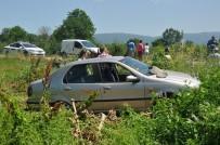 SANAYİ SİTESİ - Yaralanan Yakınlarını Takip Ederken Ambulansa Çarptılar
