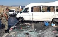 Yolcu Minibüsü Devrildi Açıklaması 2'Si Ağır 19 Yaralı