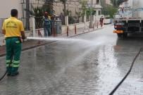KİREMİTHANE - Akdeniz'de Yollar Ve Kaldırımlar Yıkanıyor