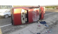 FARUK DEMIR - Besni'de Otomobil Takla Attı Açıklaması 4 Yaralı