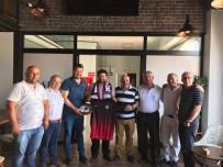 AHMET OKTAY - Garson Maaşını Kombineye Yatırdı