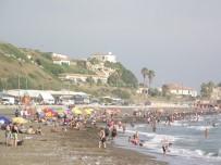 ZABITA MÜDÜRÜ - Hataylılar Samandağ Sahiline Akın Etti