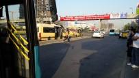 İstanbul'da Palalı Genç Paniğe Yol Açtı