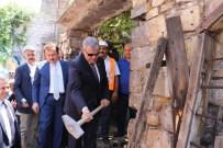 FATİH MEHMET ERKOÇ - Kahramanmaraş'ta Kentsel Dönüşümde İlk Kazma Vuruldu