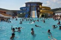 HAVA MUHALEFETİ - Tatilcilerin Tercihi Termal Aquapark