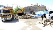 ŞEREFIYE - Vatandaş İstiyor, Büyükşehir Yıkıyor