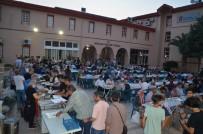 OSMAN NURİ CANATAN - Bergama'lı İş Adamından Günde 300 Kişiye İftar