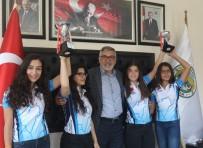 ALP ARSLAN - Kupa Ve Madalyaları İle Teşekküre Geldiler