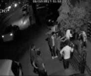 MEYDAN DAYAĞI - Hırsızları Önce Tekme Tokat Dövdüler, Sonra Polise Teslim Ettiler