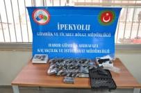 HABUR - Sınır Kapısında Tırdan 30 Adet Silah Çıktı