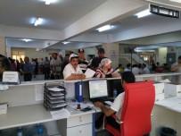 MOTORLU TAŞITLAR VERGİSİ - Afyonkarahisar'da Vatandaşlar Vergi Dairelerine Akın Etti