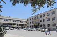 HACI MEHMET KARA - Çeşme'de Lisenin Taşınma Söylentisi Tepkilere Yol Açtı