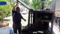 İTFAİYECİLER - Engelli Şahsın Ekmek Teknesini Kundakladılar