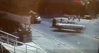 KAYHAN - İki Kadına Çarpan Otomobil Güvenlik Kamerasında