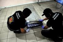 GÜMRÜK MUHAFAZA EKİPLERİ - Kaçakçılar Bayramda Da Durmadı Açıklaması 10 Milyon 300 Bin TL'lik...