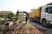 SONBAHAR - Körfez Mahallesi'nde Yayalar İçin Çalışma Yapıldı