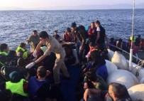 KAÇAK MÜLTECİ - Kuşadası Körfezi'nde 61 Kaçak Göçmen Yakalandı
