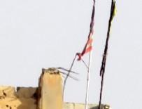 RAKKA - 2. kez ABD bayrağı astılar! Zamanlama dikkat çekti