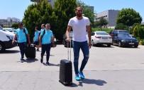 OĞUZHAN ÖZYAKUP - A Milli Futbol Takımı, Makedonya'ya Gitti