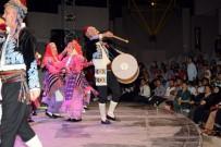 ÜSKÜP - Açık Havadaki Halk Oyunları Gösterisi Büyüledi
