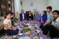 MEHTAP - Başkan Çelikcan Ve Eşi Şehit Ailesine Misafir Oldu