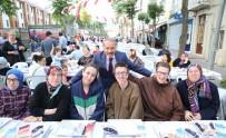 ATİLA AYDINER - Bayrampaşalı Binlerce Komşu Aynı Sofrayı Paylaştı