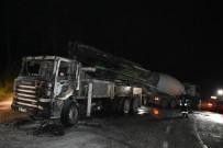 ORMANA - Cumhurbaşkanlığı Konutu İnşaatında Çalışan Beton Pompası Kamyonu Yandı