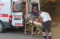 GÖKÇELI - Kilis'te Traktör Devrildi Açıklaması 2 Yaralı