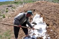 MEHMET METIN - Köylüler, Susuzluğu 200 Yıldır 'Kar Bastırarak' Çözüyor