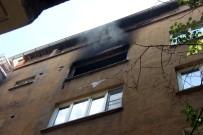 PATLAMA SESİ - Patlama Ve Yangın Açıklaması 13 Kişi Hastaneye Kaldırıldı