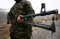 KAÇıŞ - Tunceli'de Teröristlerle Sıcak Temas