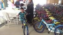 KADIR PERÇI - 800 Yetim Ve Öksüz Çocuk Hayallerindeki Oyuncaklara Kavuştu