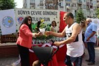 BILGE AKTAŞ - Akdeniz Belediyesi Çiçek Fidesi Dağıttı