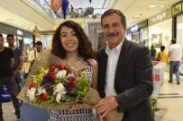 AHMET ATAÇ - Başkan Ataç'tan Genç Yazar Uysal'a Destek