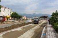 UĞUR MUMCU - Edremit'te Yol Çalışmaları Aralıksız Sürüyor