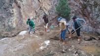 ÇÖP KONTEYNERİ - Emet'te Malı Damları Yerleşim Alanında İçme Suyu Sıkıntısı