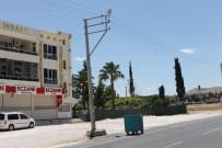 ELEKTRİK DİREĞİ - Kazada Hasar Gören Elektrik Direği Yenisi İle Değiştirildi