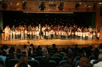 UTKU ÇAKIRÖZER - Kreş Öğrencileri Kep Attı